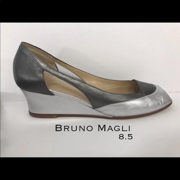 880f7a427dfe3 Bruno Magli silver gray wedge heels Sz 8.5